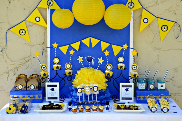graduation-party-printables-free-downloads-free-party-ideas-pary-supplies-dessert-table-dessserts-tables-amy-atlas2